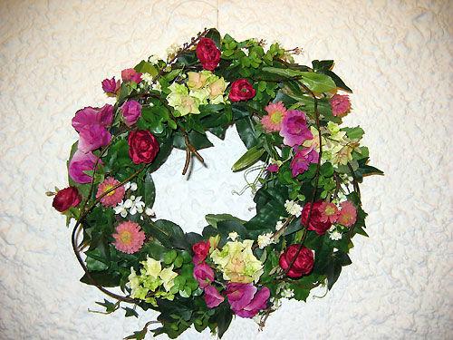 Beispiel: Blumenschmuck, Foto: Artischoke Kunstblumen.