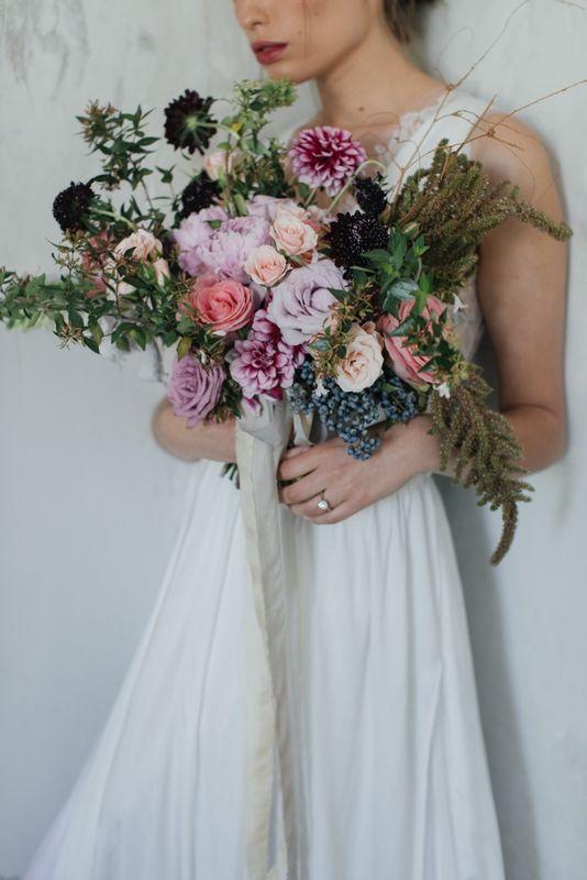 Allium By Olympia -ramo de novia loose style foto: @mmeweddings