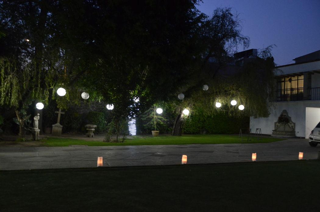 Decoración con iluminación de bellos espacios
