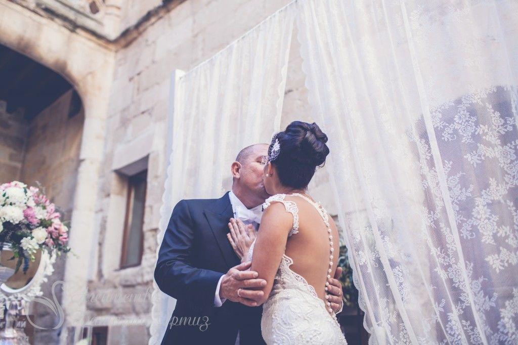 Boda de Dmitry y Victoria en castillo Buen Amor. Wedding planner Natalia Ortiz Photo: Elena Bau