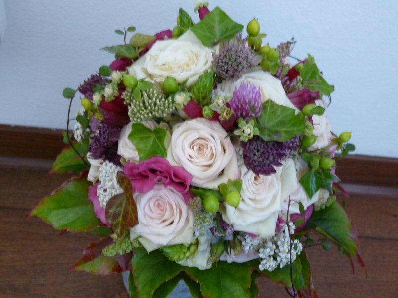 Beispiel: Brautstrauß, Foto: Die kleine Blumenwerkstatt.