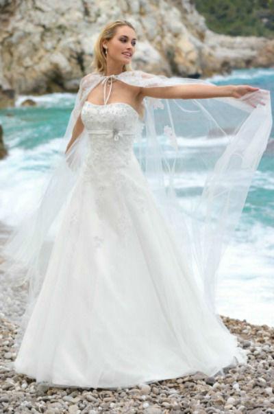 Beispiel: Brautkleid, Foto: Brautstudio Susanne L..