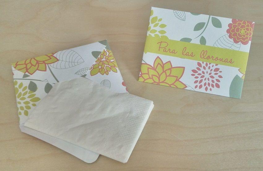 Sobres para Pañuelos Motivo: Flores Color: Verde y Rosa