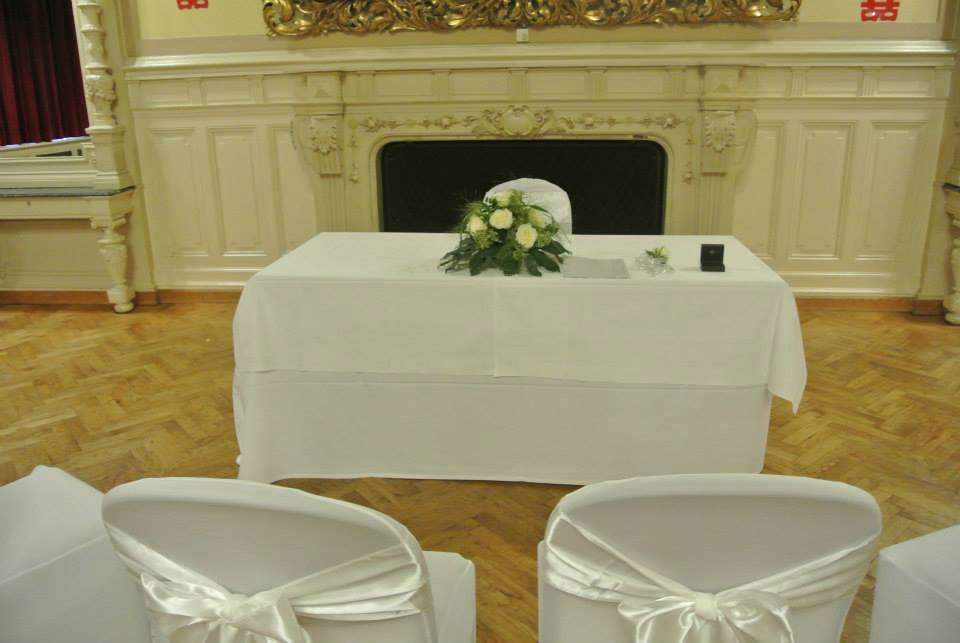 Beispiel: Dekoration für Ihren Hochzeitstag, Foto: Fest & Gast Catering.