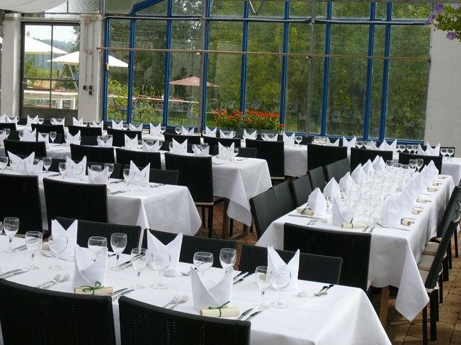Beispiel: Tischanordnung - Gewächshaus, Foto: Hesperidengarten.