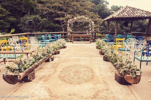 Muita lindeza essa cerimônia. Que belo altar! Que linda serra da Bocaina