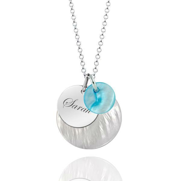 Beispiel: Halskette mit Gravur für Braut, Foto: Pearlfection.