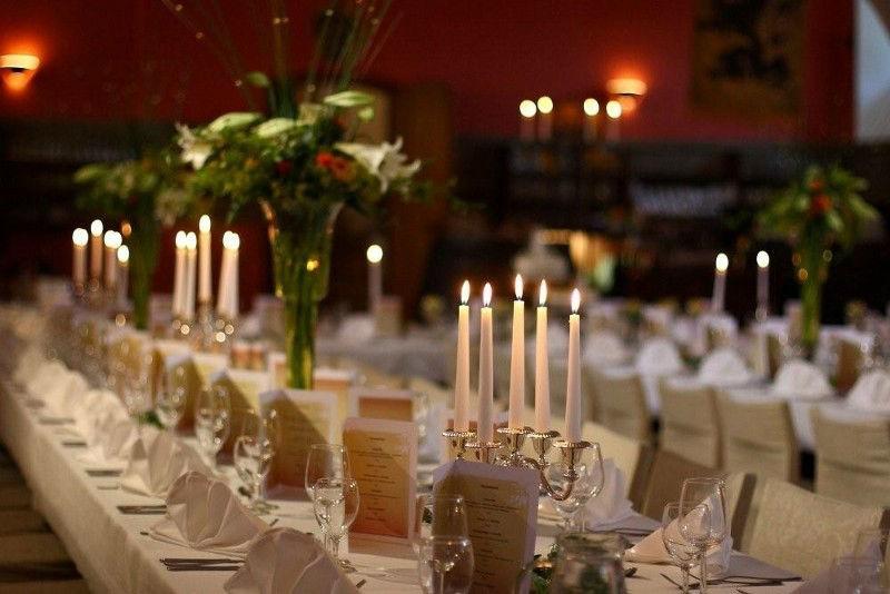 Beispiel: Hochzeitsfloristik, Foto: Evis Blattwerk.