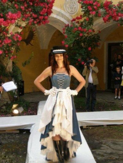 Beispiel: Traditionelle Brautkleider, Foto: Beran BrautCouture.
