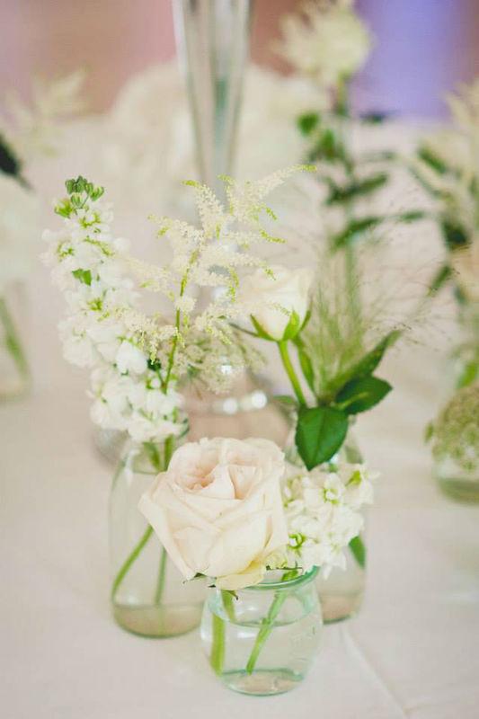 Beispiel: Tischdekoration, Foto: Die Blumenbinderei.