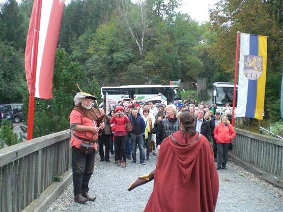 Beispiel: Gäste auf Burg Oberkapfenberg, Foto: Burg Oberkapfenberg.