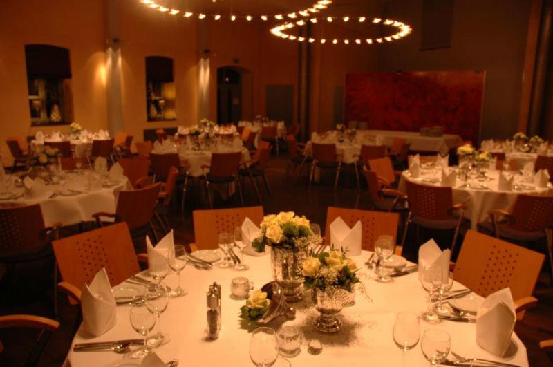 Beispiel: Hochzeitsgedeck, Foto: Restaurant Art.