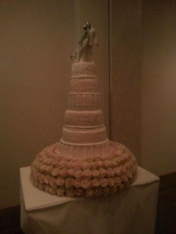 Beispiel: Hochzeitstorte, Foto: Brenners Park-Hotel & Spa.