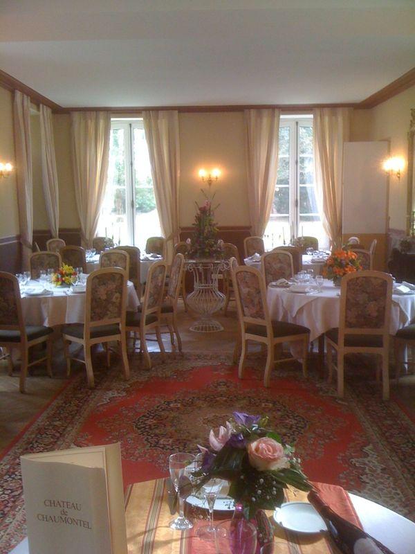 Trois salons de Réception, de 50 à 120 invités.