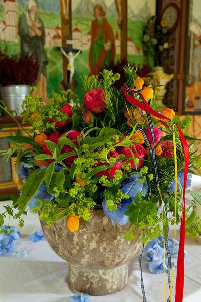 Beispiel: Kirchendekoration, Foto: Blumenmanufaktur.