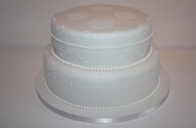 Beispiel: Zucker- Lace- Hochzeitstorte, Foto: Lealu Sweets.