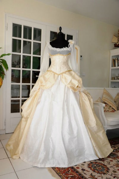 Robe de mariée brocart ivoire et soie à manches longues Agnès Szabelewski