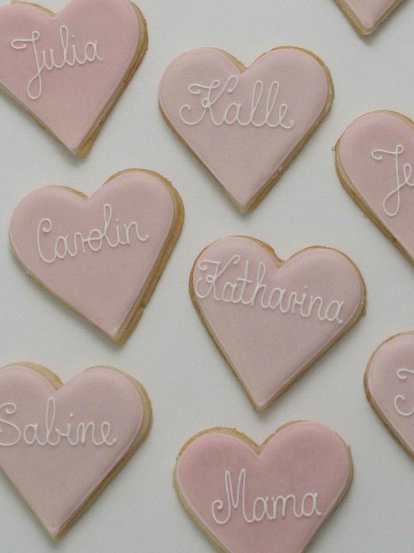 Beispiel: Cookie - Herzform mit Schreibschrift, Foto: Madame Miammiam.