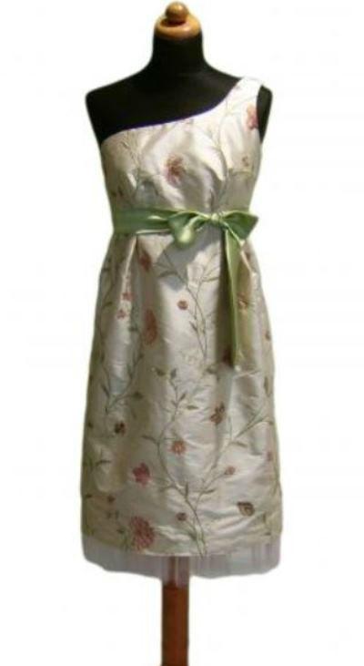 Beispiel: Brautmode, Foto: Orangejus Couture.
