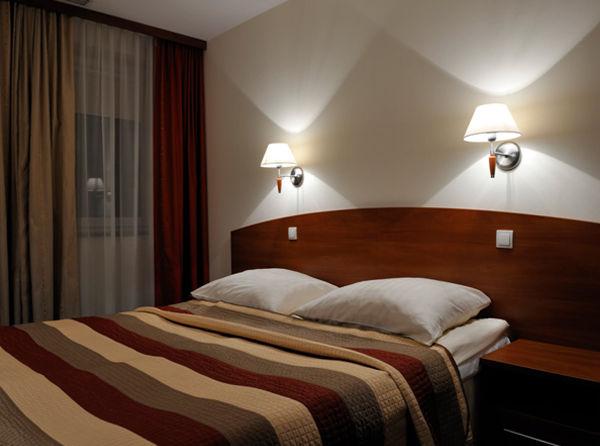 Hotel Rest, Mory k. Warszawy