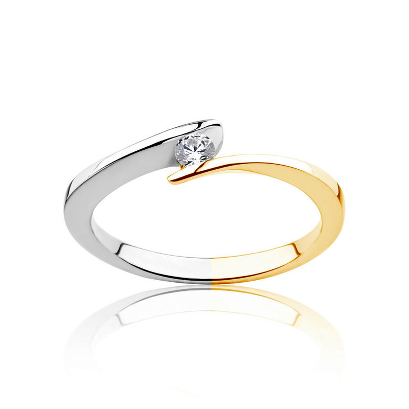 Pierścionek z dwukolorowego złota z diamentem