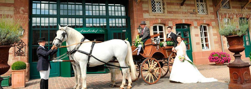 Beispiel: Der perfekte Rahmen für Ihre Hochzeit, Foto: Romantik Hotel Linslerhof.