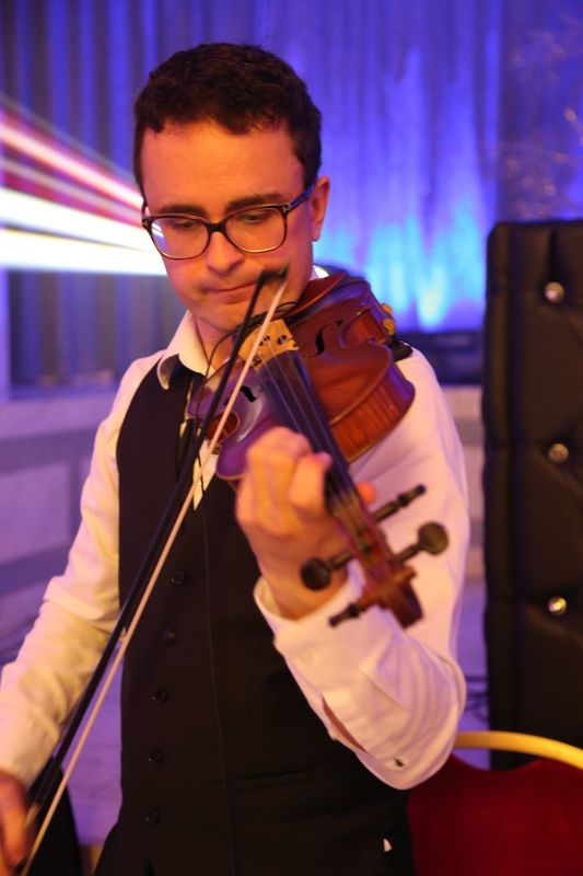 Violoniste du groupe Just for Cab' Paris 2015 Salons Hoche