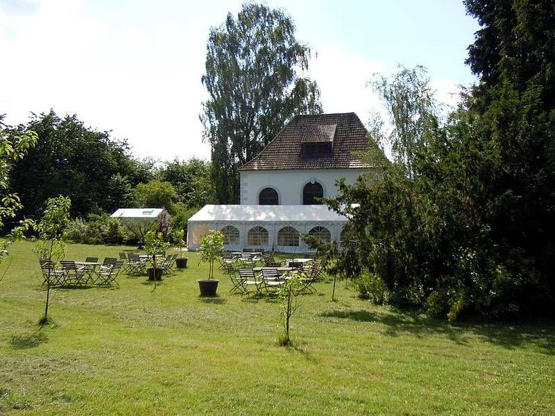 Beispiel: Garten und Festzelt, Foto: Burg Gnandstein.