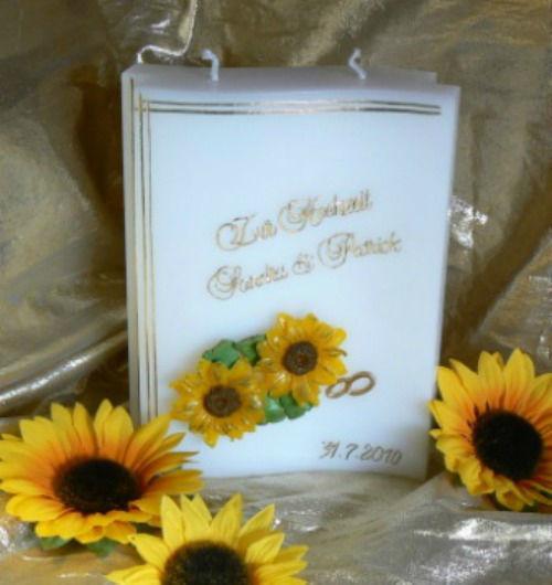Beispiel: Mit Namen bedruckte Hochzeitskerze, Foto: Kerzenatelier Zbinden.
