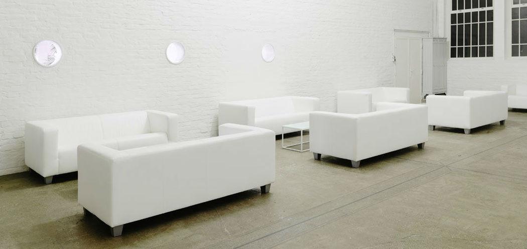 Beispiel: Sofas zum Verweilen, Foto: Nordlicht Events.
