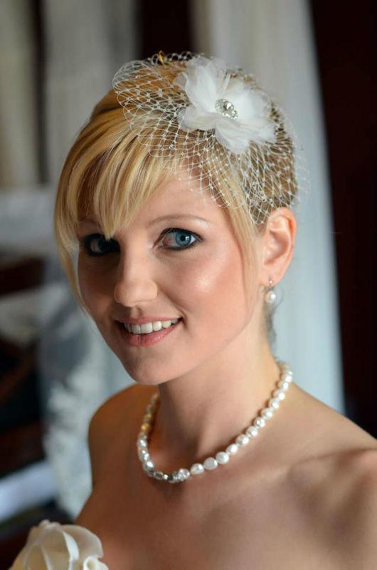 Beispiel: Die Frisur für den Hochzeitstag, Foto: Die Rollenden Friseure. Stylistin: Tanja Ill