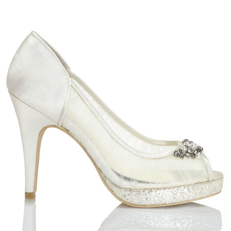 Menbur Modelo Paola 5907 www.menbur.com/es/es/zapatos/novia