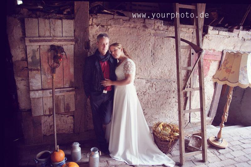 Beispiel: Brautpaar rustikal, Foto: yourphoto.