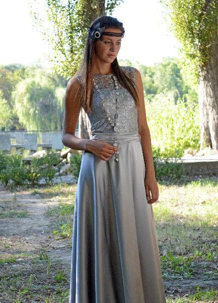 Beispiel: Einzigartige Abendkleider, Foto: Festmode Diel.