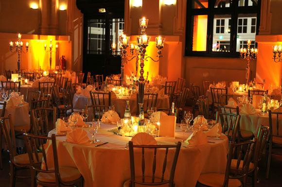 Beispiel: Das perfekte Ambiente für Ihre Hochzeit, Foto: Ness Event.