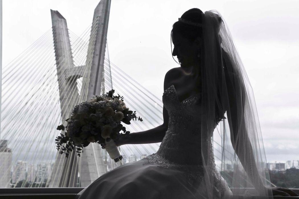 Noiva: Monique Beleza: Dia da Noiva Exclusivo por Ro Deladore Foto: Leo Freitas