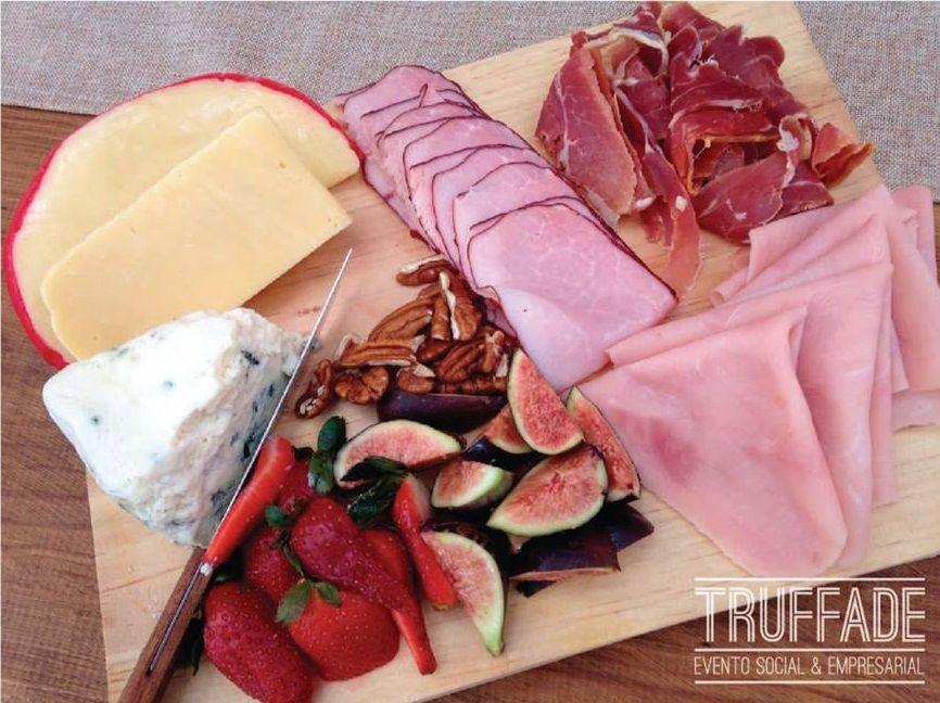 Tabla de quesos y carnes frías