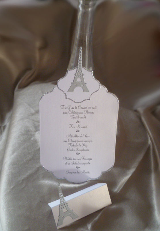 menus et marque place thème PARIS TOUR EIFFEL blanc argent d'autres thèmes et décos sur demande