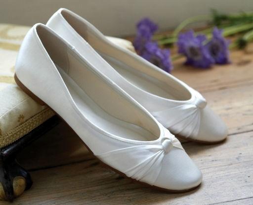 Beispiel: Brautschuhe nach jedem Geschmack, Foto: Eliyzi Couture Accessoires.