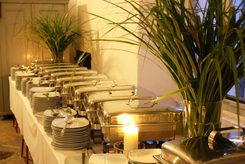 Beispiel: Hochzeitsbuffet, Foto: Tip Top Table Catering.