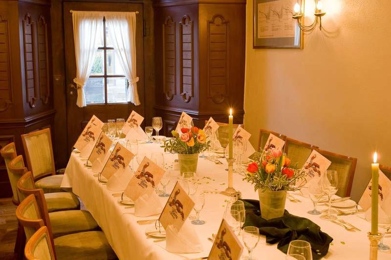 Beispiel: Eingedeckter Tisch, Foto: Ringhotel Zum Roten Bären.