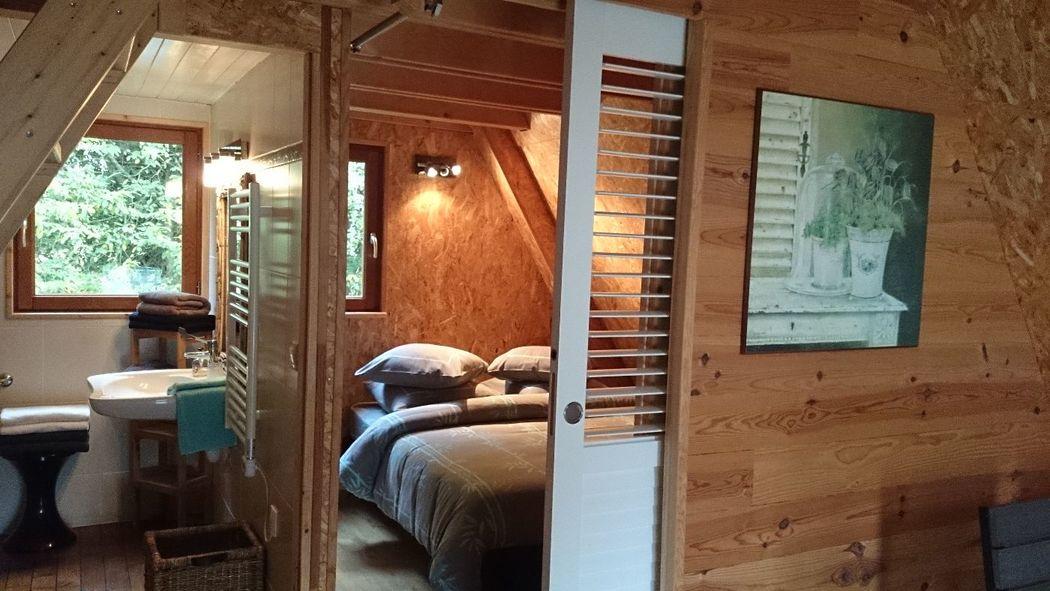 Lodge pour 5 personnes,1 chambre 2 pers,sdb,kitchenette ,chambre pour 3 mansardée.