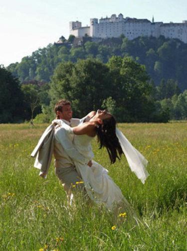 Beispiel: Einzigartige Brautmode, Foto: Traut euch Brautsalon.