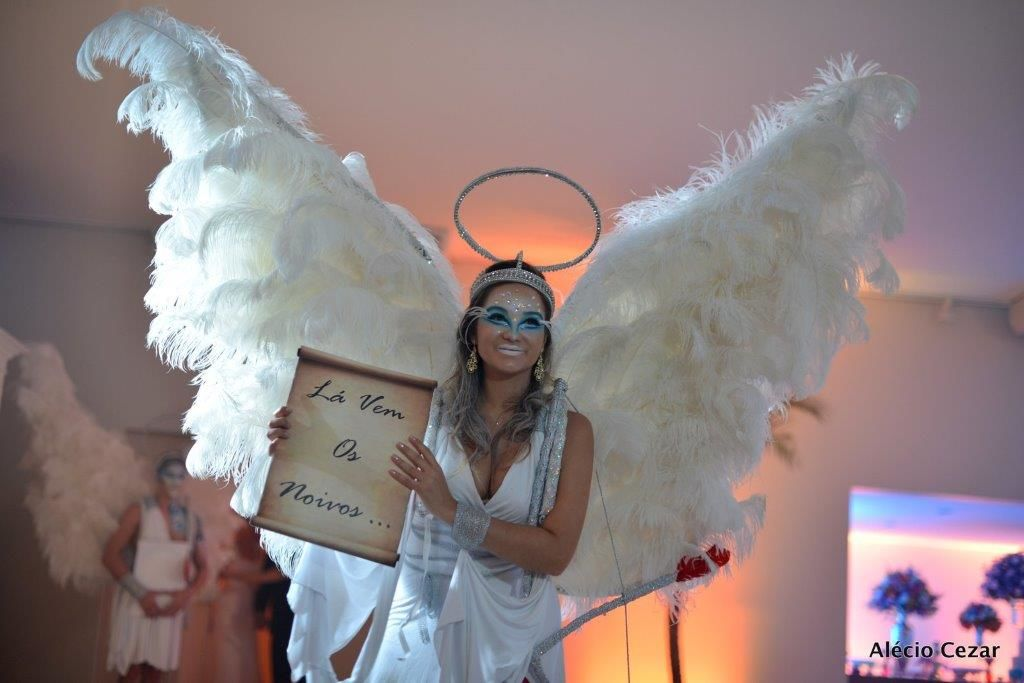 Cupido para entrada dos noivos