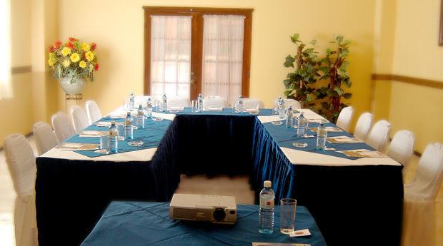 Salón para juntas empresariales. Hotel Doña Juana Cecilia en Tamaulipas