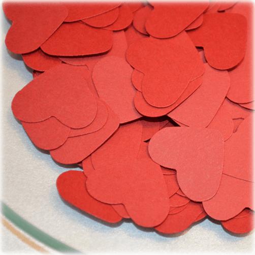 Confetti en forma de corazones