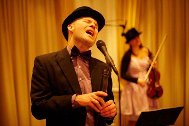 Beispiel: Auftritt des Trios, Foto: The Wedding Crashers.