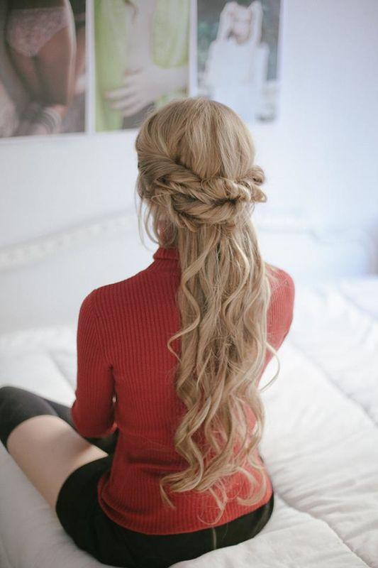Semirrecogido de cuento Por Ube Hairstyle Fotografía de Martina Matencio @lalovenenoso