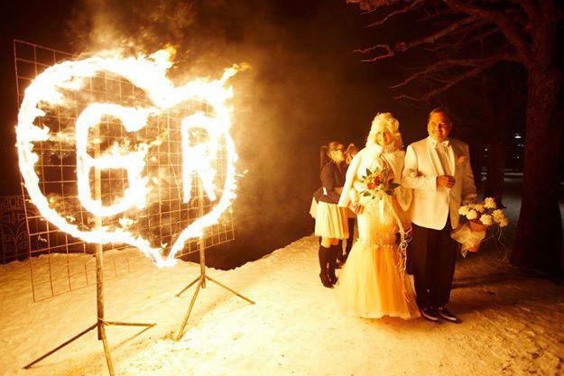 Beispiel: Brautpaar bei den Feierlichkeiten, Foto: The Wedding Crashers.