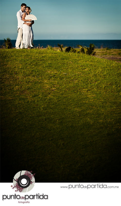 Boca del Río - Shangrila - Trash the Dress - Martha + Roberto